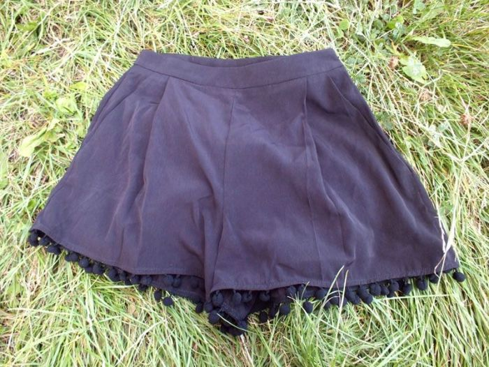 Haut-vetements-robes-short-asos-pompons-my-little-mistress-naf-naf-chaussures-dkode-amanda (10)