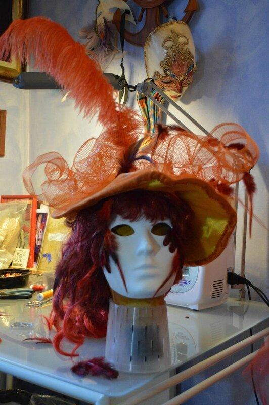 Chapeau Et Masque De Mon Costume Coucher De Soleil Pour