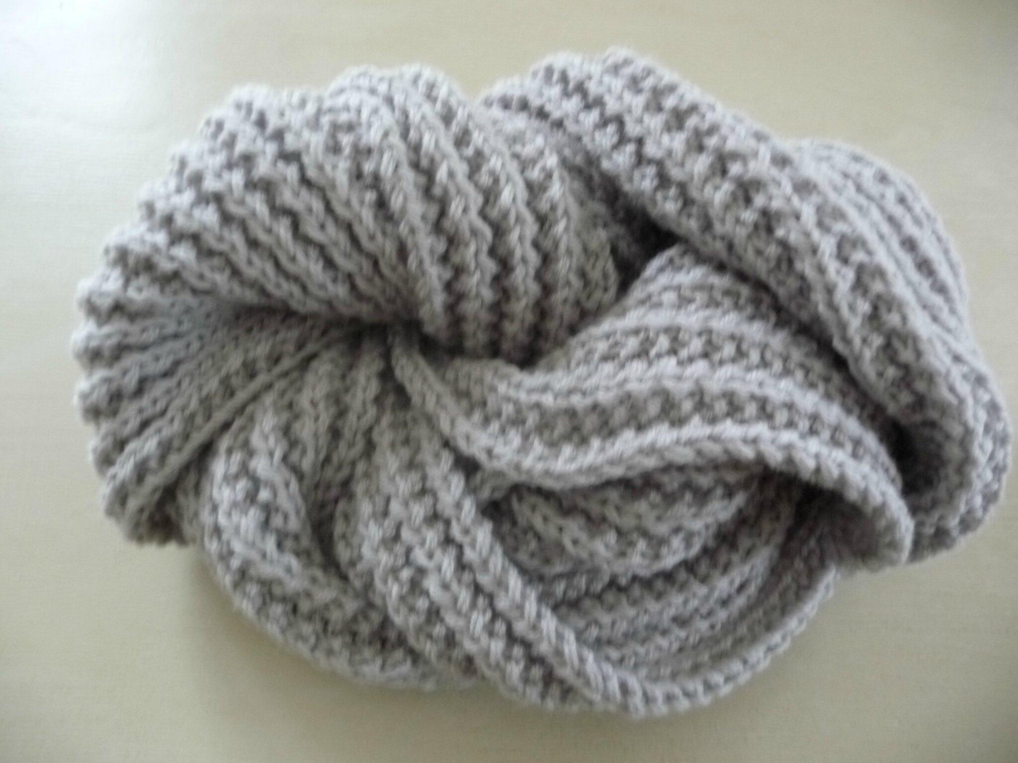 une echarpe gris tourterelle pour lui ou elle