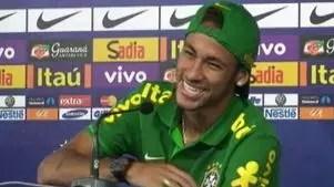 Neymar brinca sobre mais responsabilidade:'tá de sacanagem?'