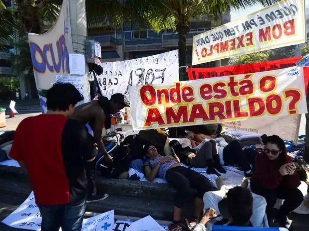 Manifestantes piden una respuesta de las autoridades sobre el paradero de Amarildo Foto: Daniel Ramalho / Terra