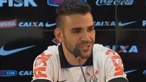 Bruno Henrique comenta 'novela' em acerto com Corinthians