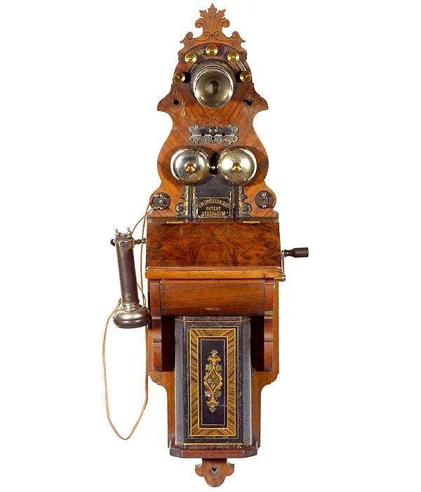 Telefon tillverkad av Telefonaktiebolaget LM Ericsson