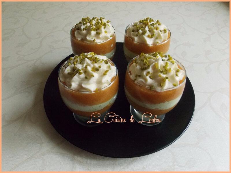 coupes-aux-nectarines-et-creme-a-la1