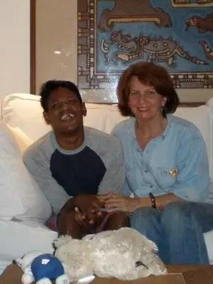 Elizabeth teve de lutar nos tribunais para ficar com Sujit Foto: Arquivo pessoal / Divulgação