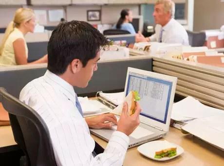 Segundo pesquisa, homens são firmes em manterem a dieta Foto: Getty Images