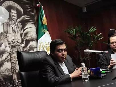 El líder de la bancada del PRD en el Senado, Miguel Barbosa, dijo que el Gobierno federal busca ensalzar la imagen del Presidente Peña. Foto: Reforma