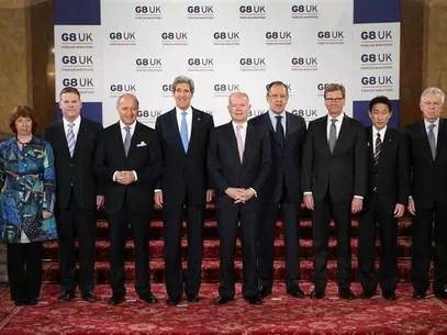 El secretario británico de Asuntos Exteriores, William Hague, durante la reunión de cancilleres del G8 en Londres, abr 11 2013. Los ministros de Relaciones Exteriores del G8 fracasaron en acercar las profundas divisiones sobre Siria o presentar un nuevo plan por Corea del Norte durante una reunión en Londres el jueves. Foto: Peter Macdiarmid / Reuters