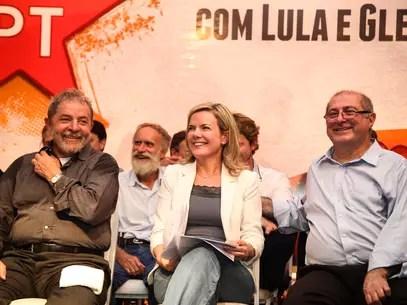 Além do presidente Lula, o ministro das Comunicações, Paulo Bernardo, marido de Gleisi, compareceu ao ato Foto: Joka Madruga / Divulgação