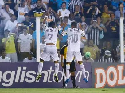 Com boas atuações de Gabigol e Geuvânio, Santos avançou à semifinal Foto: Ricardo Saibun / Gazeta Press