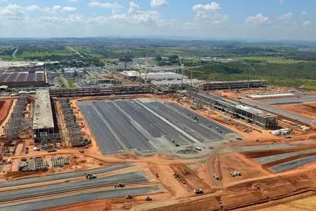 O aeroporto de Viracopos em obras feitas antes da Copa de 2014