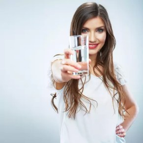 Resultado de imagem para beber água