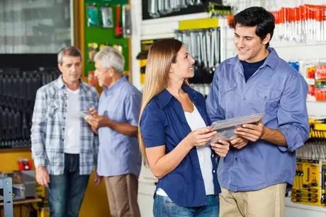 Acertar no tamanho da equipe de vendas contribui para reduzir custos operacionais e aumentar a taxa de conversão da loja