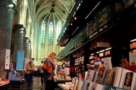 Estão surgindo mais museus, cafeterias na Holanda!