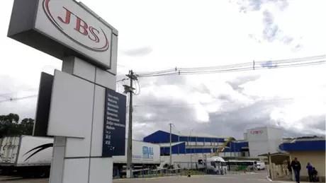jbsreuters - A JBS pode ser punida por comprar dólares e vender ações antes da delação premiada?