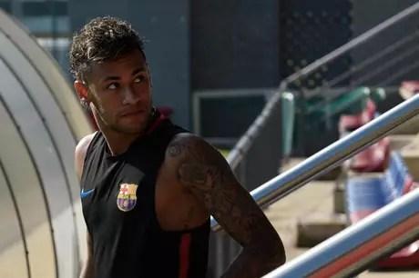 Neymar pode ir para o PSG (Foto: Lluis Gene/AFP)
