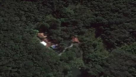 Visão de satélite do Google Earth do sítio de Atibaia atribuído à Lula pelo MPF   Foto: Reprodução/Google Earth