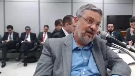Palocci em depoimento a juiz Sergio Moro, em setembro; o ex-ministro disse Lula e Odebrecht tinham 'pacto de sangue'   Foto: Reprodução/Justiça Federal do Paraná