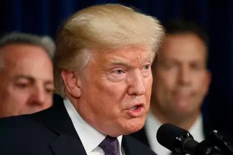 """""""Dossiê Trump"""" sobre ligação com Rússia agora é parte de investigação de conselheiro especial, dizem fontes"""