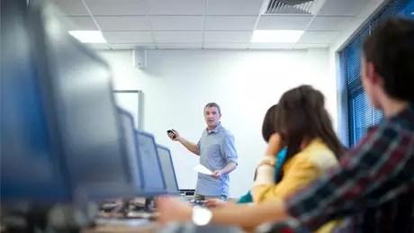Ensino muitas vezes está desconectado da rotina dos alunos e das demandas do século 21