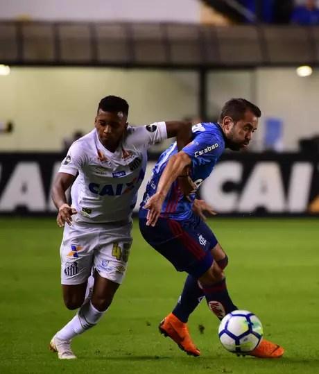Rodrygo foi o melhor do empate na Vila Belmiro