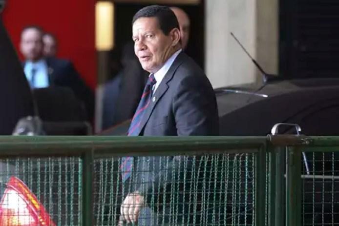 Vice-presidente eleito, o general da reserva Hamilton Mourão deve ganhar novas atribuições no governo