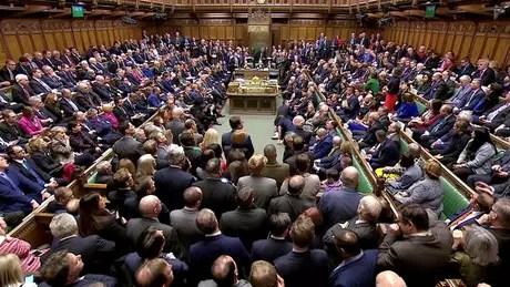 Parlamento inglês debateu e votou em sete emendas nesta terça