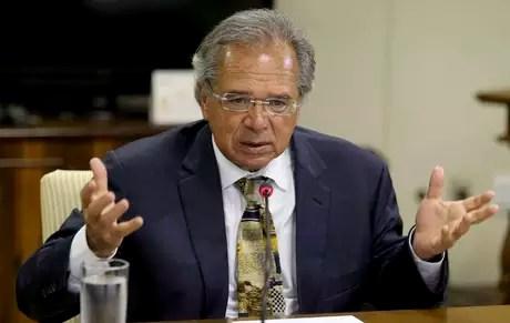 Ministro da Economia, Paulo Guedes, já foi avisado de que terá de se sentar com governadores para avançar na reforma da Previdência