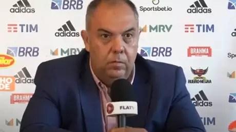 O vice-presidente de futebol Marcos Braz concedeu entrevista coletiva neste sábado (Foto: Reprodução/FlaTV)