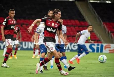 Filipe Luís em ação contra o Bahia (Foto: Alexandre Vidal / Flamengo)