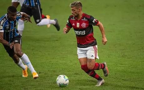O meia Arrascaeta, do Flamengo, em ação no futebol brasileiro (Foto: Alexandre Vidal / Flamengo)
