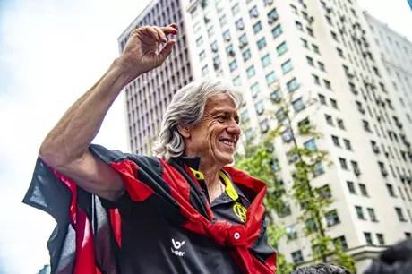 Jorge Jesus comemorando o título da Libertadores de 2019 pelo Flamengo. (Foto: Divulgação/Flamengo)