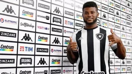 Rafael Carioca deve ser a novidade no time do Botafogo (Foto: Divulgação/Botafogo)