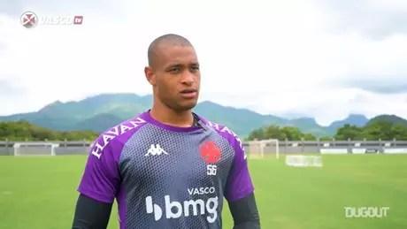 Lucão fez boas defesas na vitória do Vasco por 3 a 1 sobre o Flamengo no Maracanã (Reprodução)