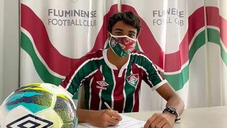 Luis Fernando assinou contrato até o fim de 2025 (Foto: Divulgação)