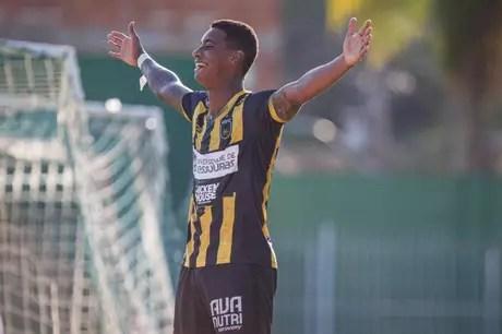Alef Manga é o artilheiro do Campeonato Carioca, com nove gols (FOTO: ANDRÉ MOREIRA/VRFC)