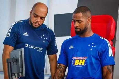 Dedé n]ao entra em campo desde 2019 e ainda está em recuperação de outra cirurgia no joelho-(Vinnicius Silva/Cruzeiro)