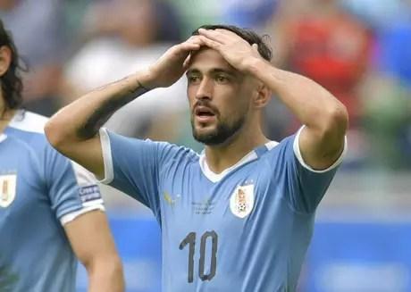 Arrascaeta em ação com a seleção do Uruguai (Foto: AFP)