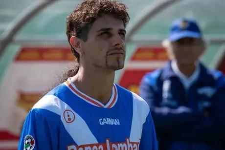 Andrea Arcangeli caracterizado como Roberto Baggio