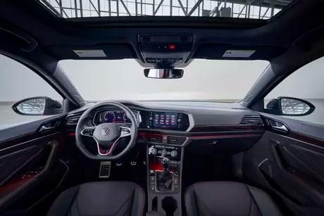 Volkswagen Jetta: 10'' digital panel.