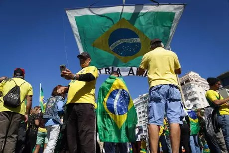 Bolsonaro called for protests against the Judiciary and Legislative powers