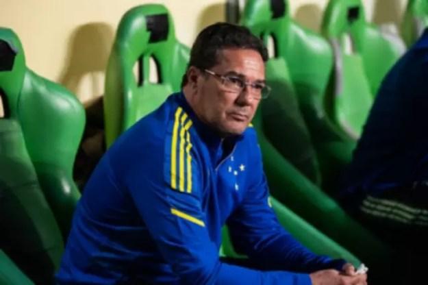Luxa está avaliando o seu futuro na Raposa sem desistir da Série B deste ano-(Bruno Haddad/Cruzeiro)