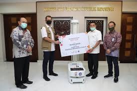 Photo of Telkom Serahkan Bantuan Robot Disinfeksi Ke Gugus Tugas Covid 19