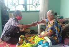 Photo of P2Tel Parepare Serahkan Bansos Bencana  Alam Sulbar Kepada PMP Yang Mengungsi