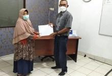 Photo of PC Padang Menyerahkan SK Pensiun Janda An Tini R Jd Amiruddin Das Nik 430907