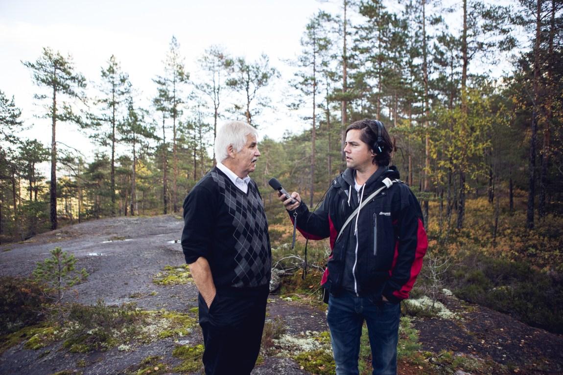 Tore Tvedt, sammen med dokumentarskaper Webjørn Espeland.  (Foto: Tom Øverlie, NRK)