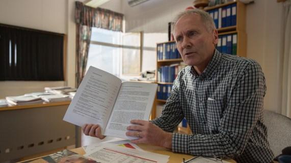 Erik Eidsvig, leder i Rogaland pelsdyrfôrlag. (Foto: Lars Erik Andreassen, NRK)