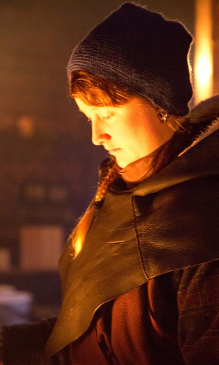 Siri Neslein (27) er en moderne åsatroer. (Foto: Kristin Evensen Giæver, NRK)