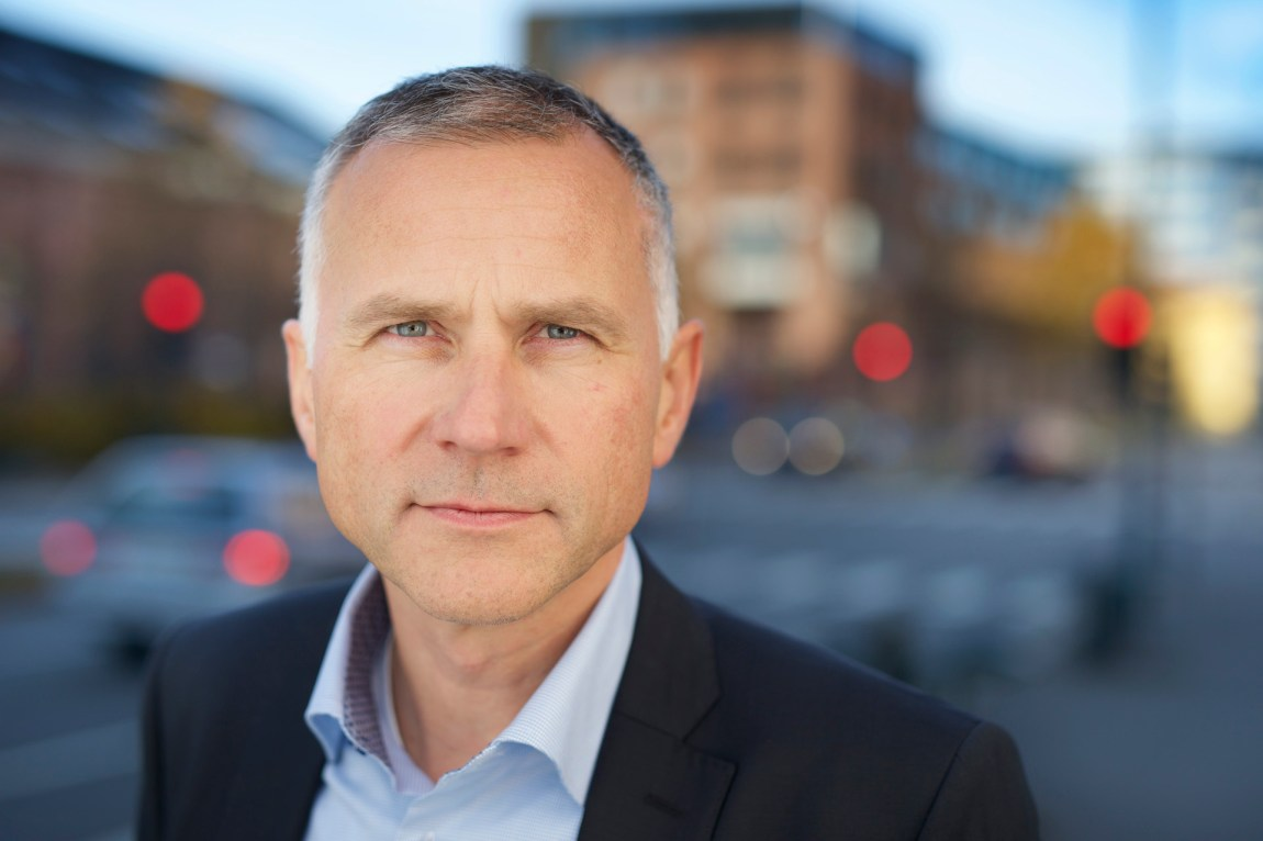 – Først må du ha en god idé i bunn. Det vanskeligste er alltid om idéen er noe man kan lage et marked av, forklarer Tom Staavi i Finans Norge. (Foto: Finans Norge / CF-Wesenberg)
