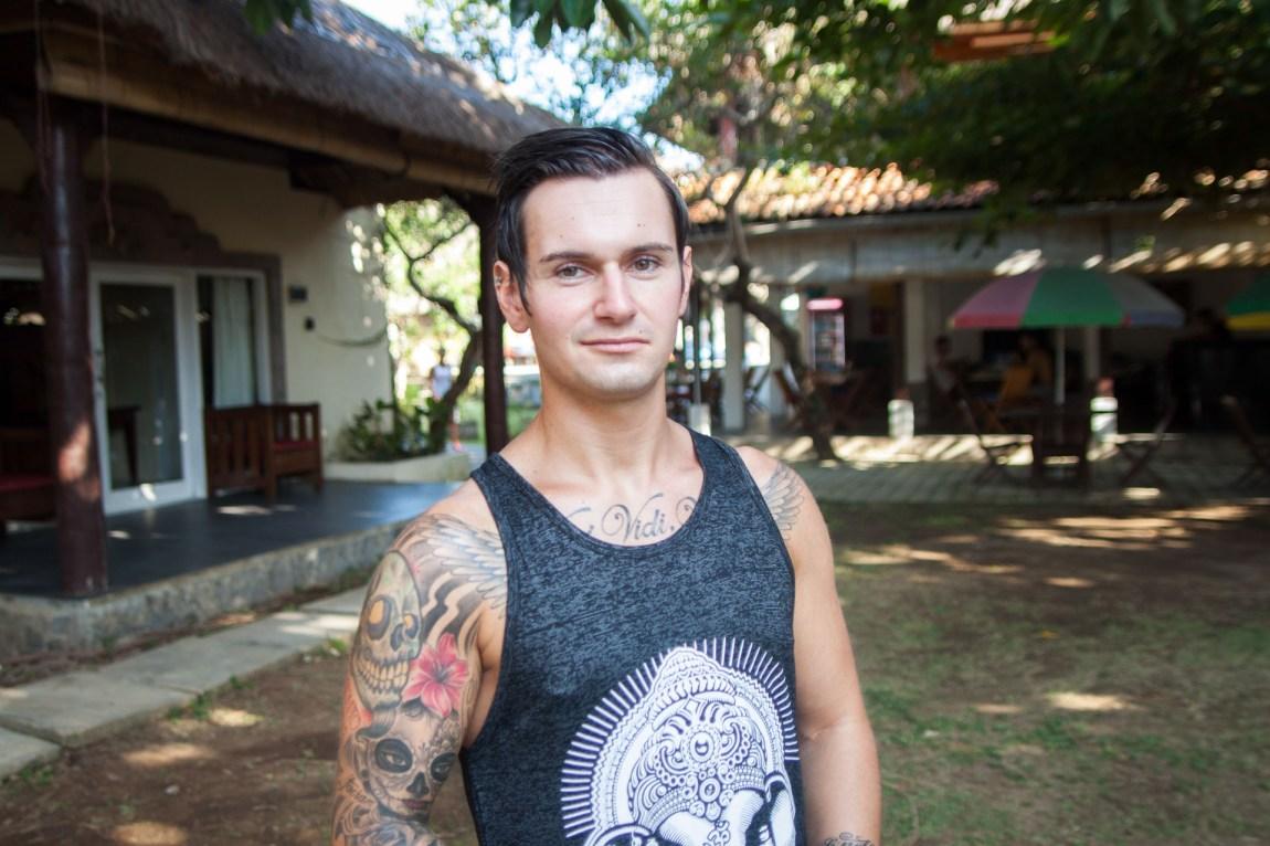 Jørgen André Andreassen (23) er ikke spesielt fornøyd med PT-studiet på Bali gjennom GoStudy: – Jeg føler det er alt for mange som er her nede på grunn av alkohol, de er rett og slett på en drikke- og badeferie. (Foto: Andrea A. Thiis-Evensen)